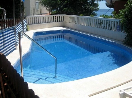 Apartment Zrinka with swimming pool
